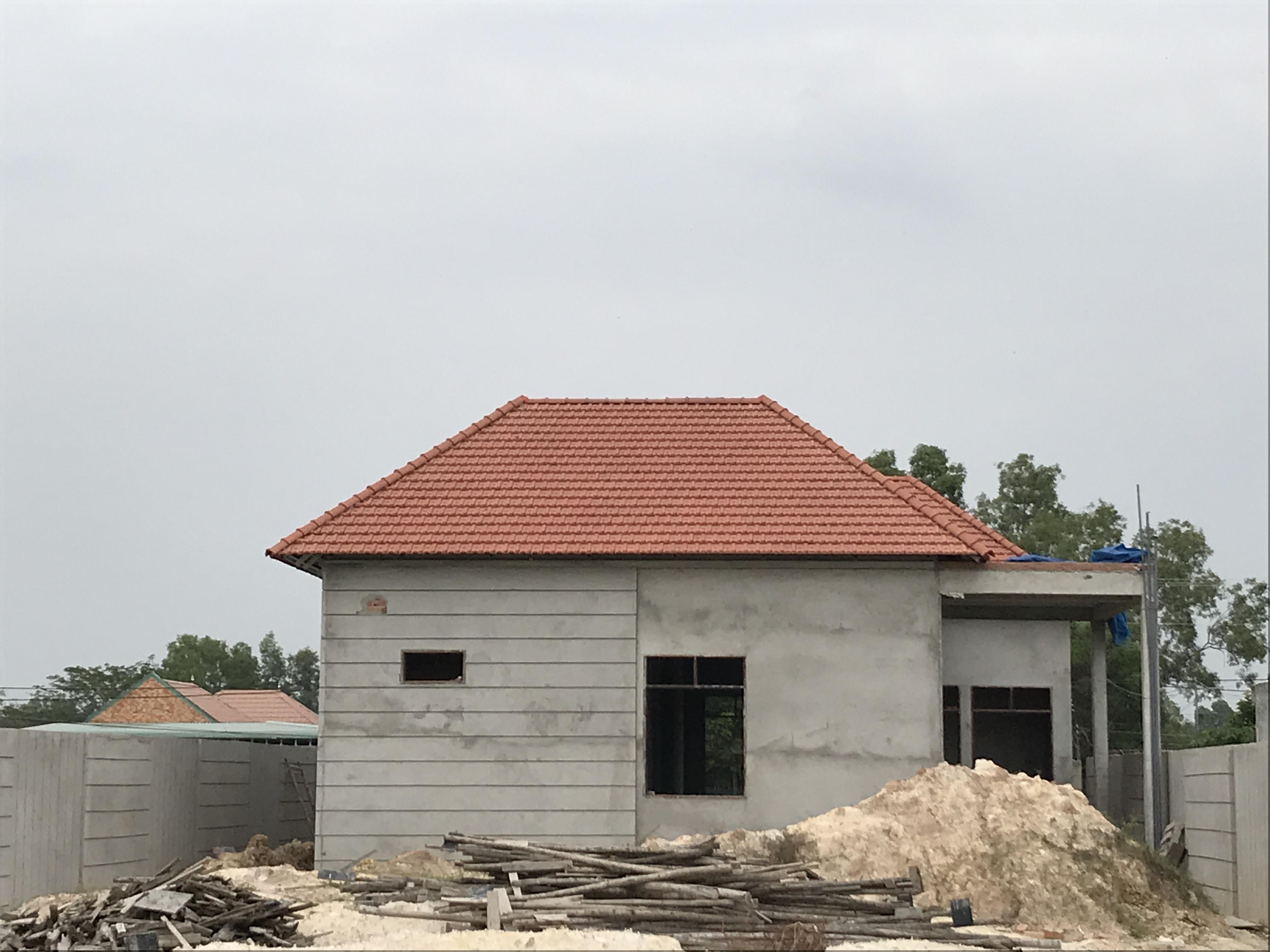 Nên lựa chọn mái tôn hay mái ngói cho ngôi nhà