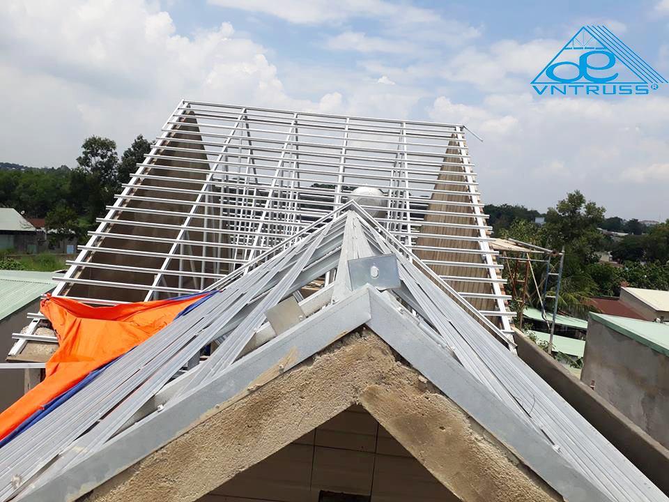 Nhà Biệt thự vườn mái thái lợp ngói ở Long Khánh, Đồng Nai
