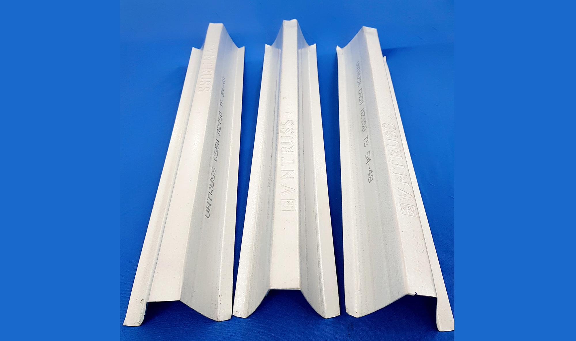 Công ty sản xuất cầu phong và li tô thép mạ nhôm kẽm VNTRUSS
